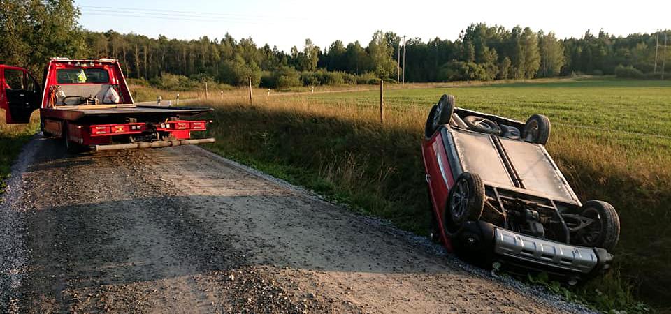 Vält bil - Falck Bärgaren Örebro - Bärgare i Örebro län - Vägassistans